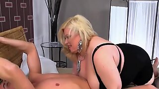 Blond Big beautiful woman gives off her new gadget